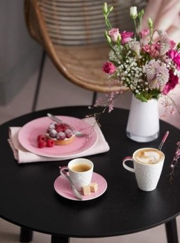 Villeroy-Boch-Caffe-Club-Touch-of-Rose-gedeckter-Tisch-1