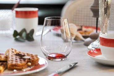Villeroy-Boch-Colourful-Life-Deep-Red-Set-For-Me-You-gedeckter-Tisch-2