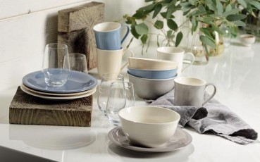 like-by-Villeroy-Boch-Color-Loop-Stone-gedeckter-Tisch-1