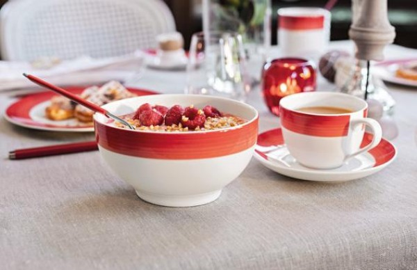 Villeroy-Boch-Colourful-Life-Deep-Red-Set-For-Me-You-gedeckter-Tisch-1