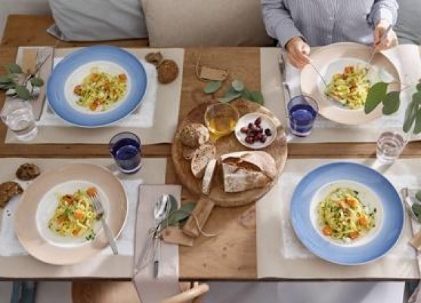 Villeroy-Boch-Colourful-Life-Winter-Sky-gedeckter-Tisch-3