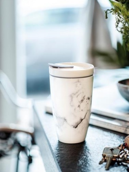 like-by-Villeroy-Boch-Coffee-To-Go-Becher-gedeckter-Tisch-5